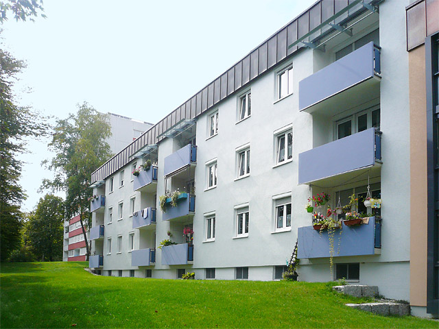 gwg-eg-wohnanlagen-83512-wasserburg-dr-fritz-huber-strasse-87-87a-balkonseite-content-01